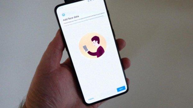 'OnePlus 7 krijgt pop-up-camera en notchloos scherm'