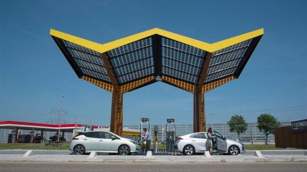 Fastned gaat ook in Zwitserland laadstations bouwen
