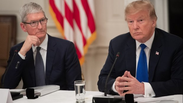 Donald Trump noemt Apple-ceo Tim Cook 'Tim Apple'
