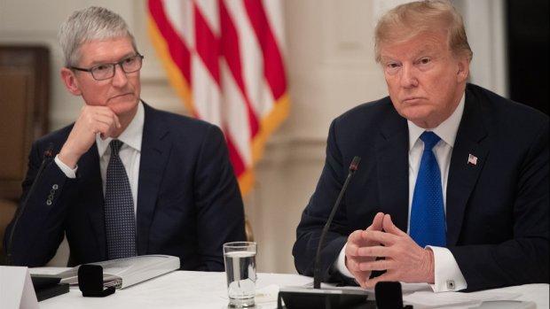 Donald Trump noemt Apple-ceo Tim Cook 'Tim Apple'