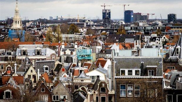 Amsterdamse huizen in middensector krijgen maximumprijs