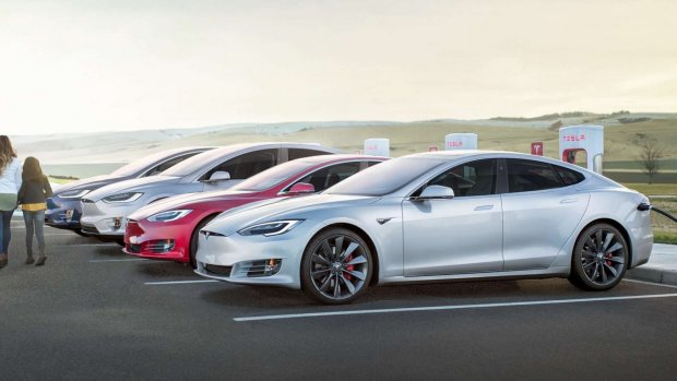 Tesla maakt zijn Superchargers sneller