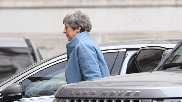 May vraagt EU om kort uitstel van brexit tot 30 juni