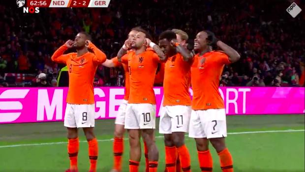 Memphis zet Oranje op gelijke hoogte met Duitsland