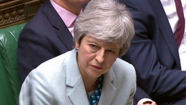Britse kiezer straft premier May keihard af om Brexit-chaos
