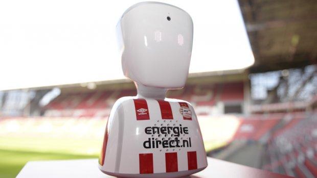 PSV laat droom ziek jongetje uitkomen met behulp van robot