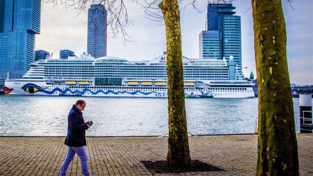 Drijvende flats vol geld: Rotterdam vaart wel bij cruiseschepen