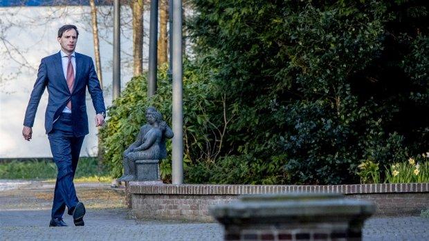 Kritiek op 'machtsspel' Hoekstra rondom aparte eurozonebegroting