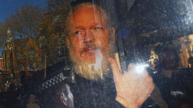 Britse parlementsleden willen uitlevering Assange aan Zweden
