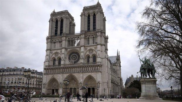 Wereldberoemde Notre-Dame in brand: alles wat je moet weten over de kathedraal