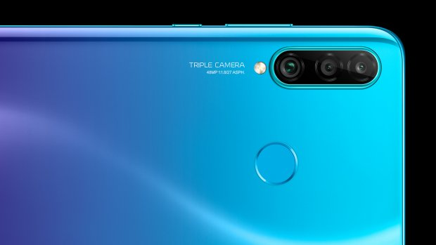 Huawei kondigt betaalbare P30 Lite met drie camera's aan
