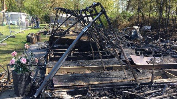 Kampeerder neemt geen maatregelen tegen brand