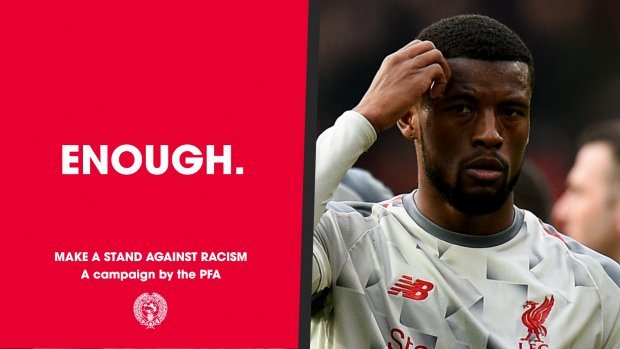 Voetballers maken massaal statement tegen racisme