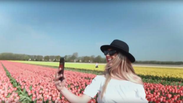 Ludiek filmpje waarschuwt toeristen: trap geen tulpen plat