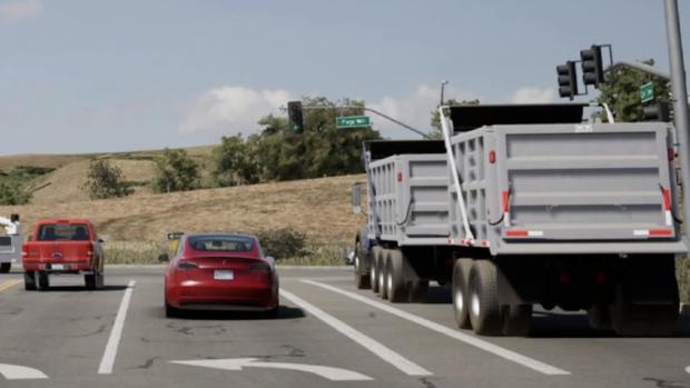 'AutoPilot van Tesla slechter in wisselen van rijbaan dan mens'