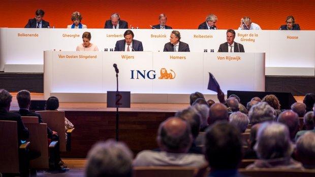 ING-top krijgt veeg uit de pan van aandeelhouders