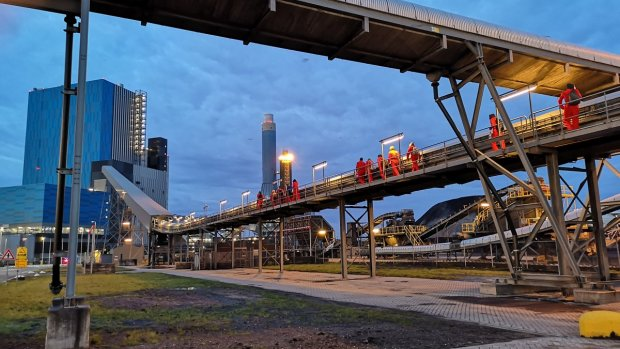 Zes actievoerders opgepakt bij kolencentrale Engie op Maasvlakte