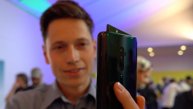 Getest: Oppo-telefoons met 'haaienvin' als camera