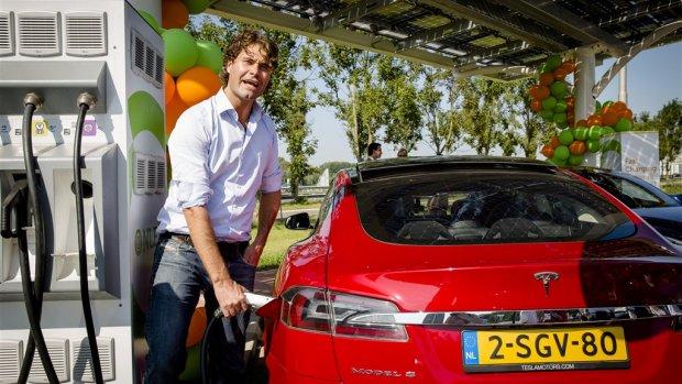 'Bedrijven stappen vaker over op elektrische leaseauto's'