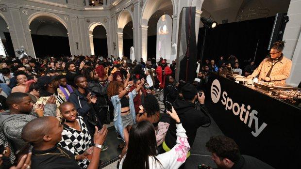Groeispurt voor Spotify, betalende gebruikers naar 100 miljoen