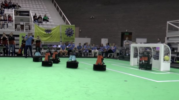 TU Eindhoven tweede op EK Robotvoetbal