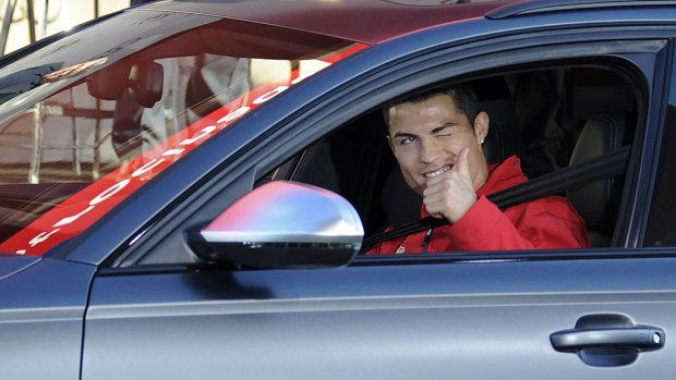 'Cristiano Ronaldo koopt duurste auto ter wereld'