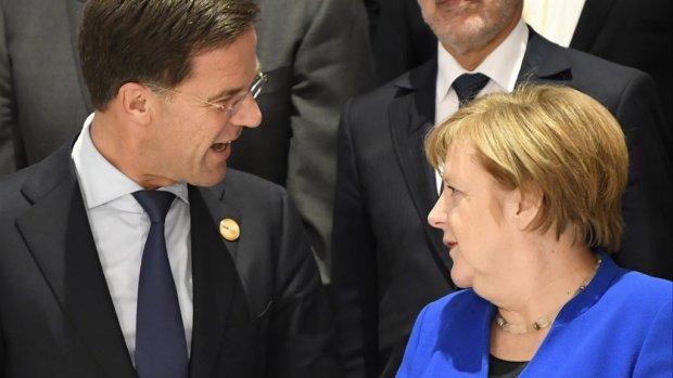 Rutte op de koffie bij Merkel   Ajax kampioen