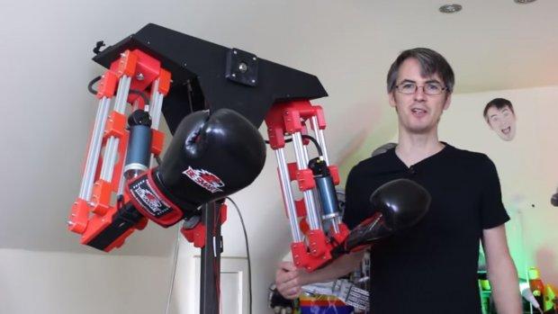 VR-games nu nog echter: deze robot slaat terug