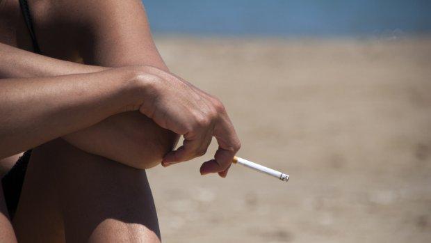 Wel bakken niet paffen: Renesse krijgt eerste rookvrije strand van Nederland