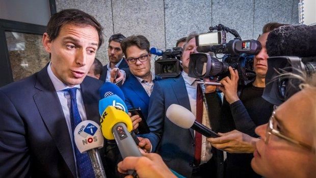 Minister laat Belastingdienst binnenstebuiten keren