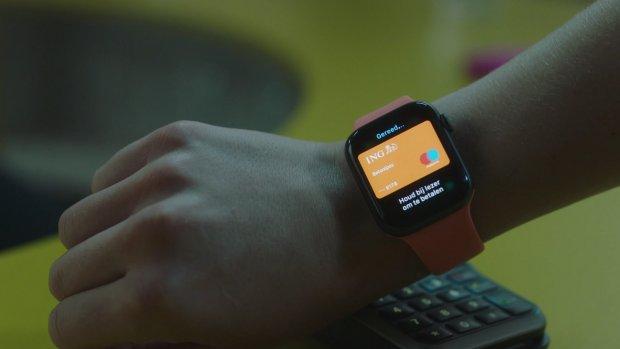 'Brussel onderzoekt voortrekken Apple Pay'