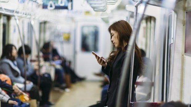 App beschermt Japanse vrouwen tegen aanranders in trein