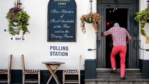 Stembureaus dicht, maar geen prognoses uit Verenigd Koninkrijk