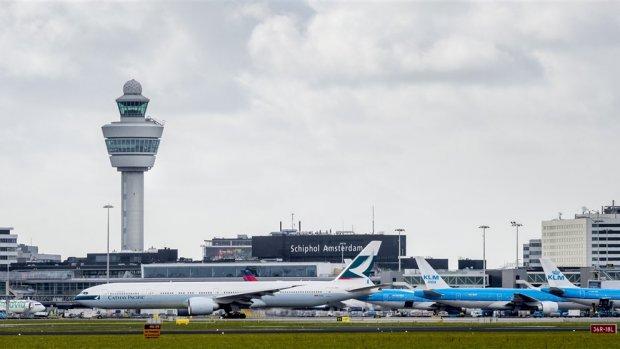 Schiphol wil bereikbaar zijn met staking en dreigt met rechter