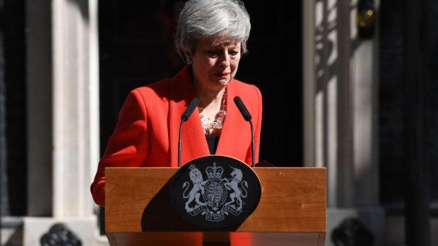 Brexit nekt May: Britse premier kondigt vertrek aan