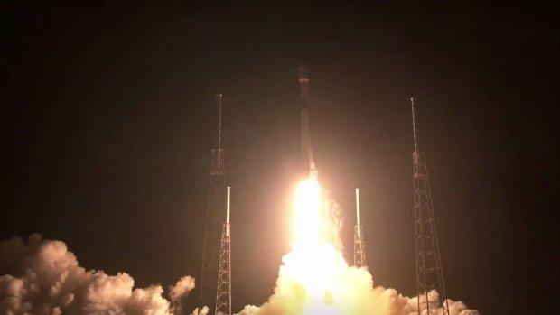 SpaceX lanceert eerste internetsatellieten