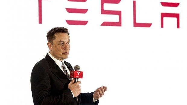 Musk roept Tesla-werknemers weer op: focus op leveren van auto's