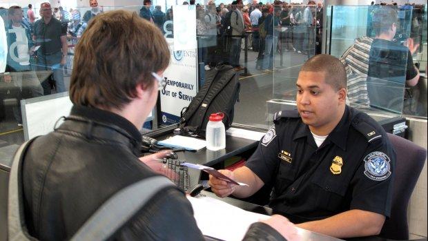 VS verplicht invullen accounts social media bij visumaanvraag