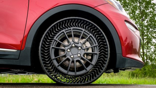 GM en Michelin testen nieuwe autobanden zonder lucht