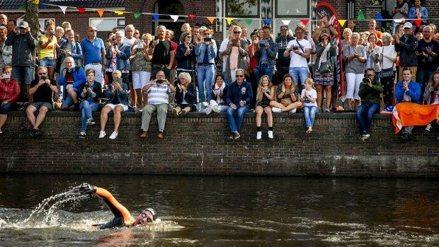 Poging 2 voor Maarten van der Weijden: 'Zwemtocht wordt minder een lijdensweg'