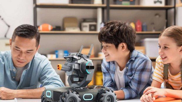 DJI presenteert programmeerbaar robotvoertuig voor thuis