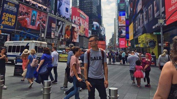 Joey begon op zijn 21e een webwinkel: 'Eerst geen winst'