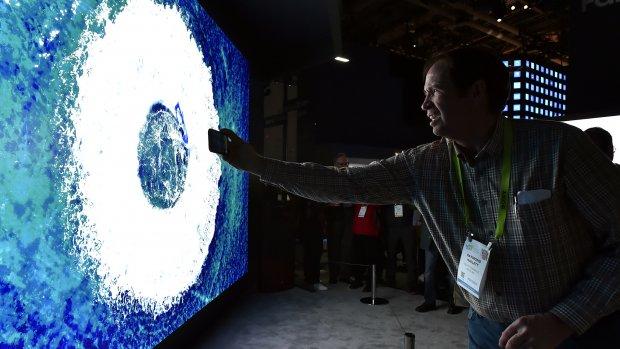 Samsung brengt een tv van ruim 7 meter doorsnee op de markt