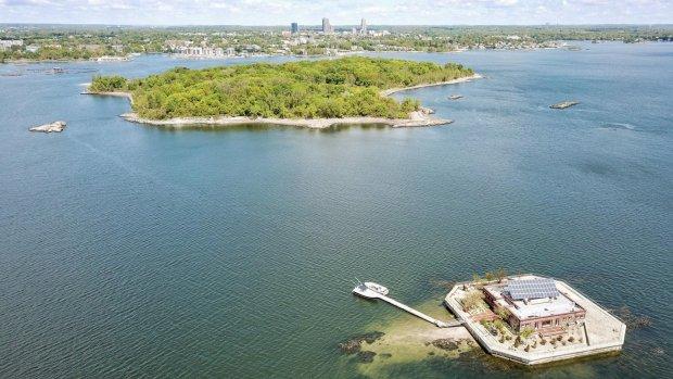 Te koop: 2 privé-eilanden met uitzicht op New York City