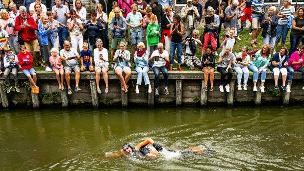 Dit moet je weten over de monsterlijke zwemtocht van Maarten van der Weijden