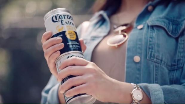 Geen plastic meer: Corona schroeft blikjes op elkaar