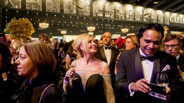 'Miljonairs drinken meer, sporten vaker en zijn vaker getrouwd'