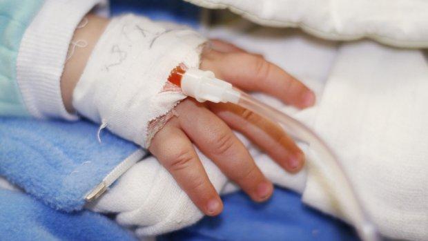 Baby met herpesinfectie belandt in ziekenhuis door tekort aan medicijnen