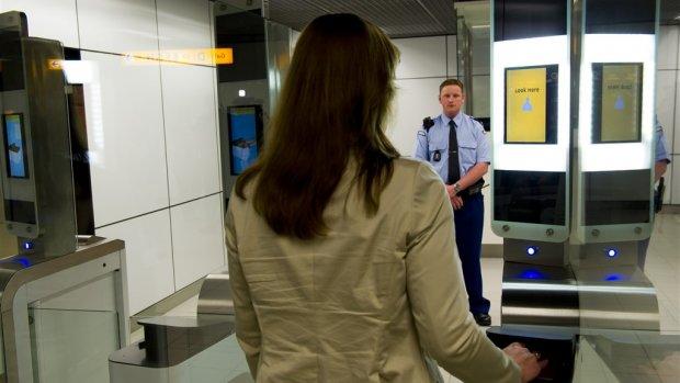 Nederland en Canada testen vliegen met paspoort-app