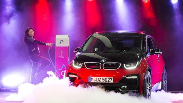 BMW: 'In 2025 net zoveel winst op elektrische als gewone auto'